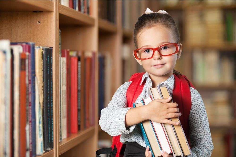 girl in library.jpg