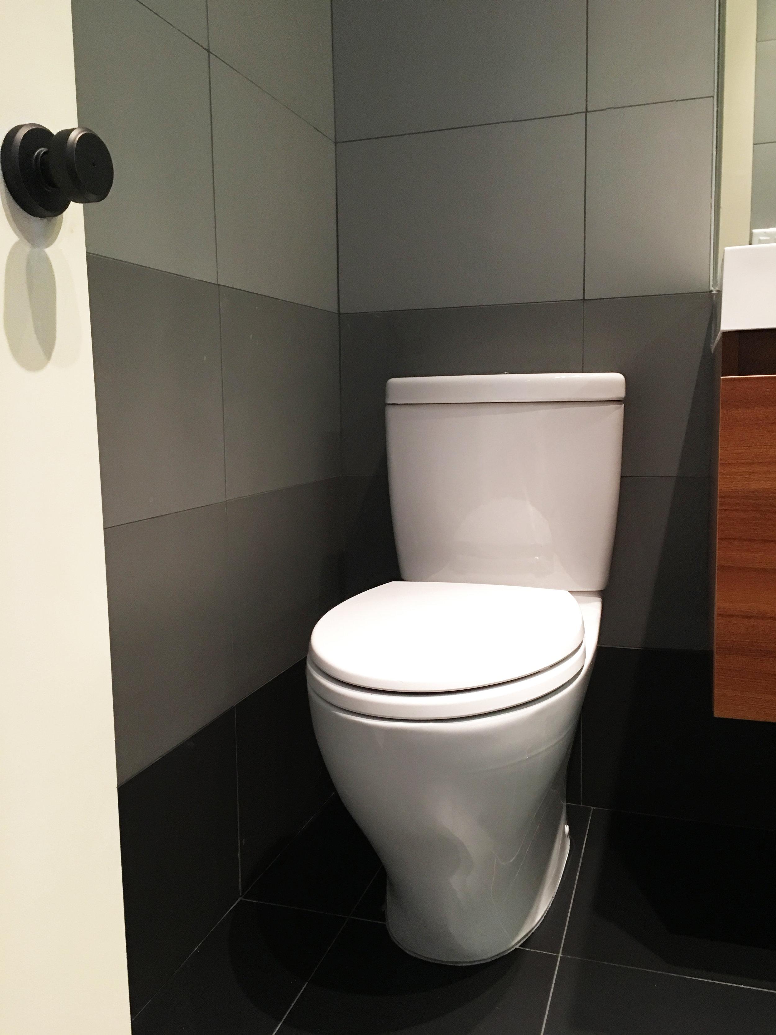07-860 Macon Street Bathroom 3.jpg