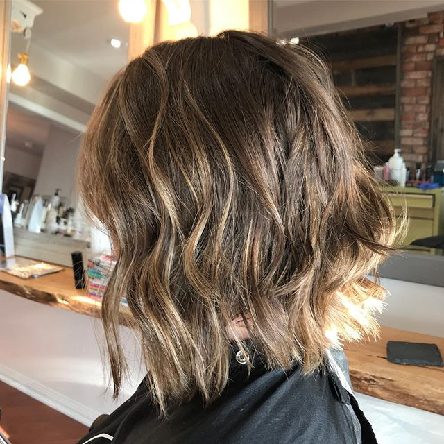 Chop chop and lots of texture.. warm it up for the fall with low maintenance blonde tones.