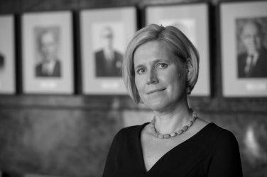 Ülle Madise - Õiguskantsler, advokaatVari:Marianne Purru