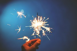 sparklers-923527__180.jpg