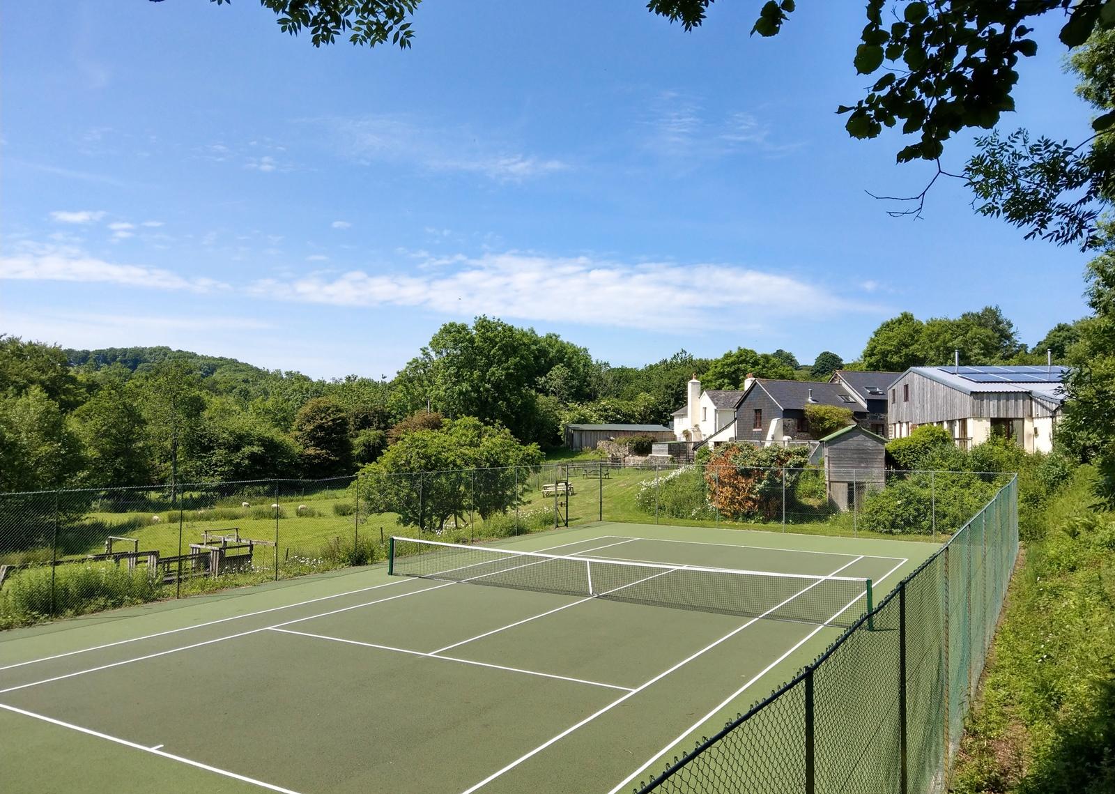 Tenniscourt2.jpg