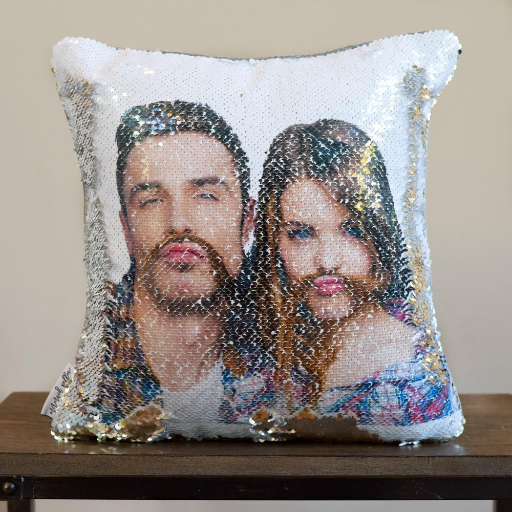 Two_Faced_Pillow_Couple_B-1_1048x.jpg