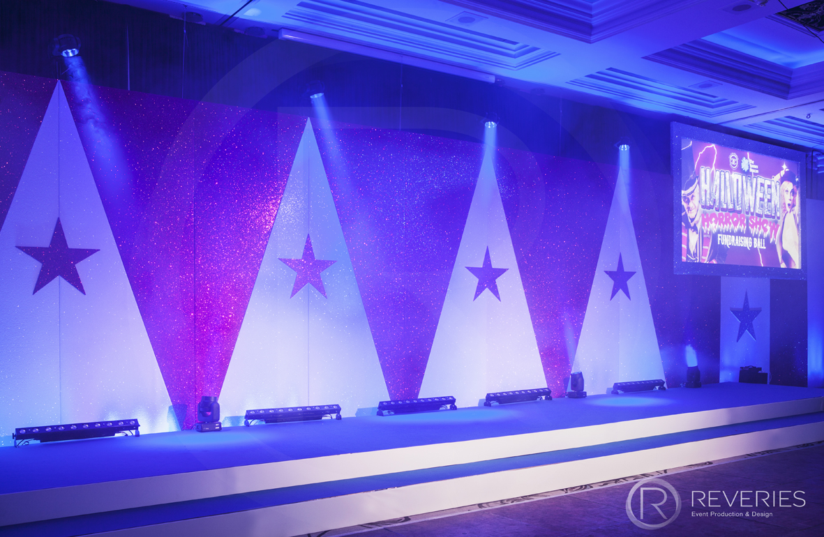Halloween Horror Show - Bespoke triangle and star Circus backdrop with AV screen