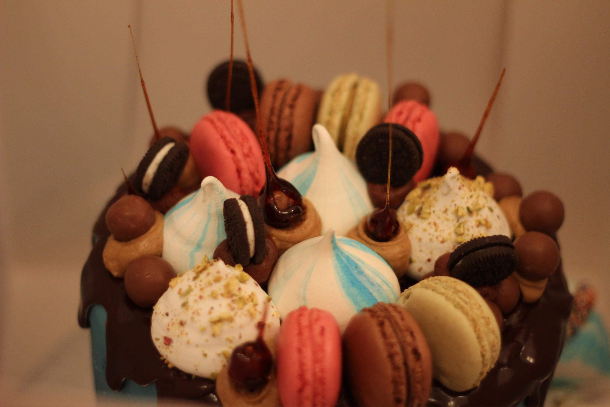 chaos meringue buttercream cake