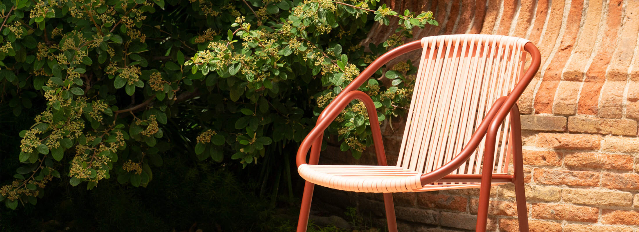 """DOÑA PAKYTA - """"A chair for living the outdoors inspired by Cabo de Gata"""""""
