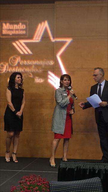 Mundo Hispanico Awards.jpg