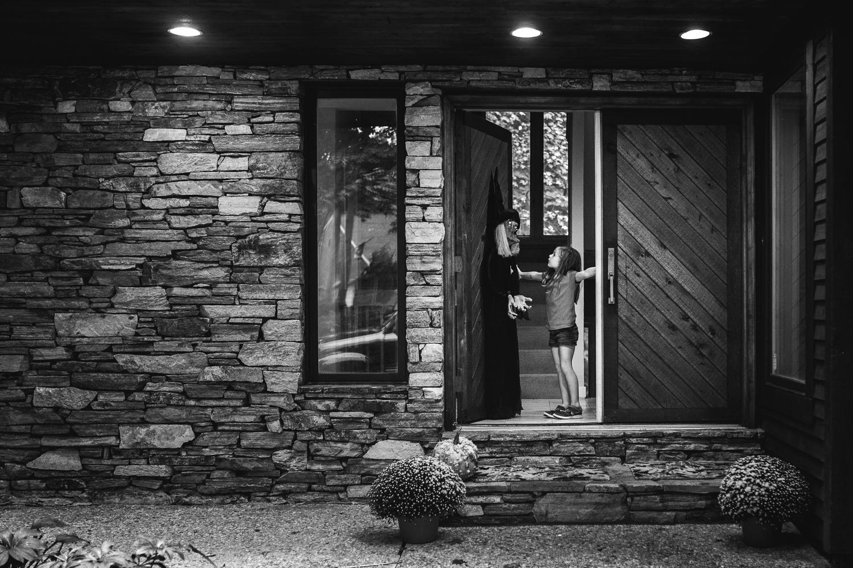 rebecca_wyatt_witch_in_door+-1.jpg