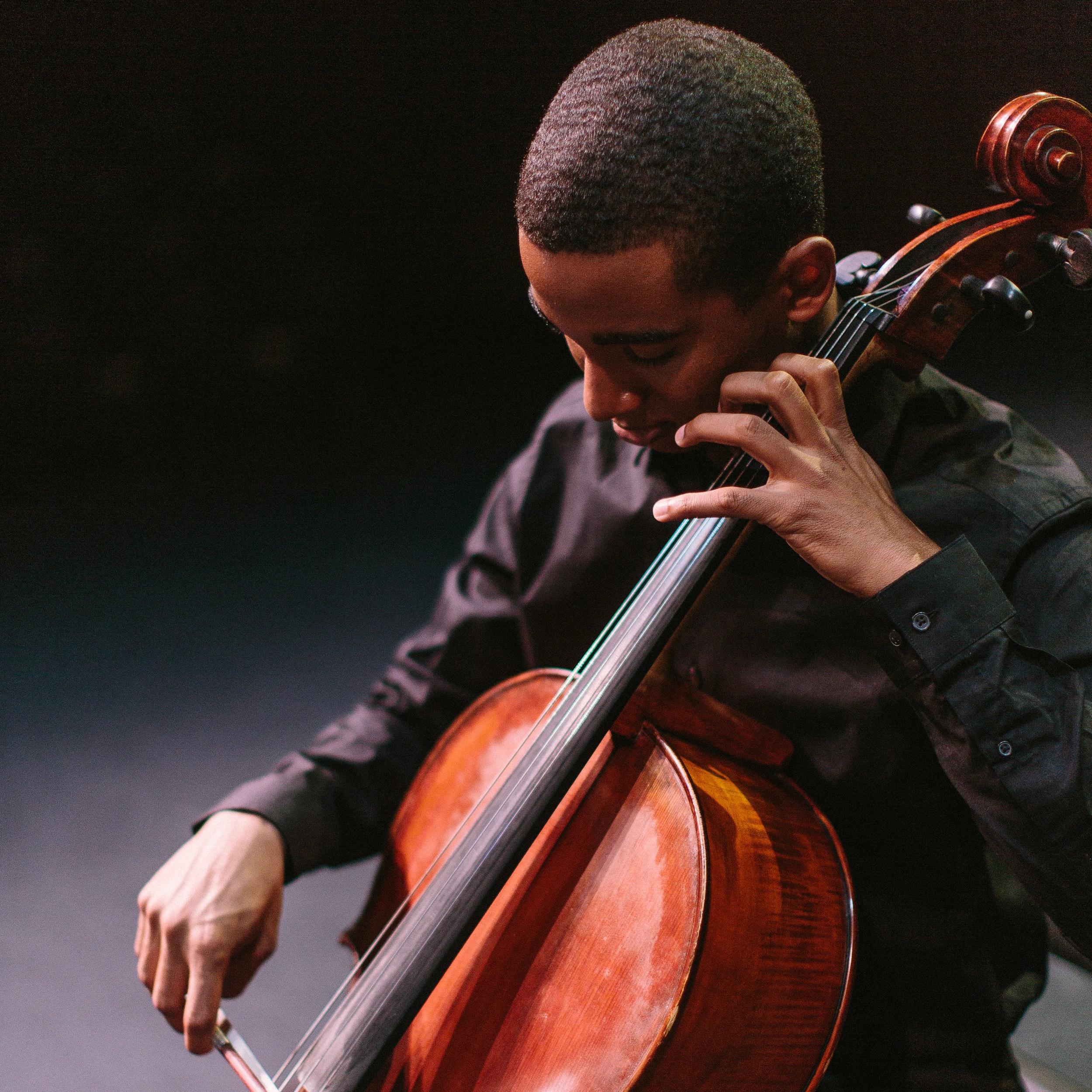Noah Johnson, Cello
