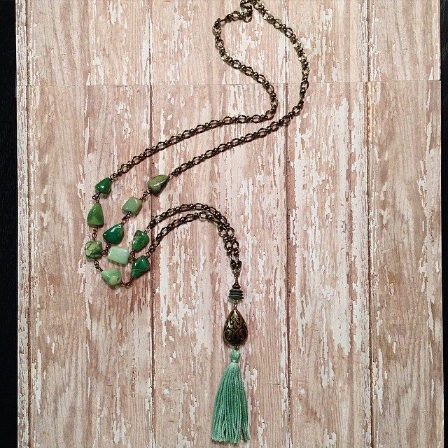 Green tassel long necklace.jpg
