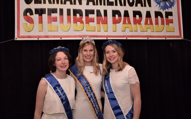 Miss German-American 2019 and her court