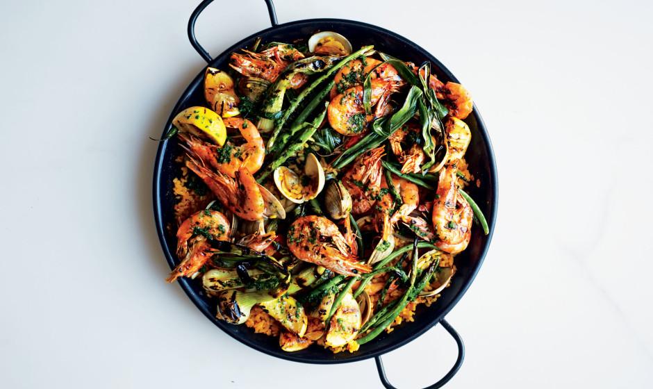 seafood-paella-940x560.jpg