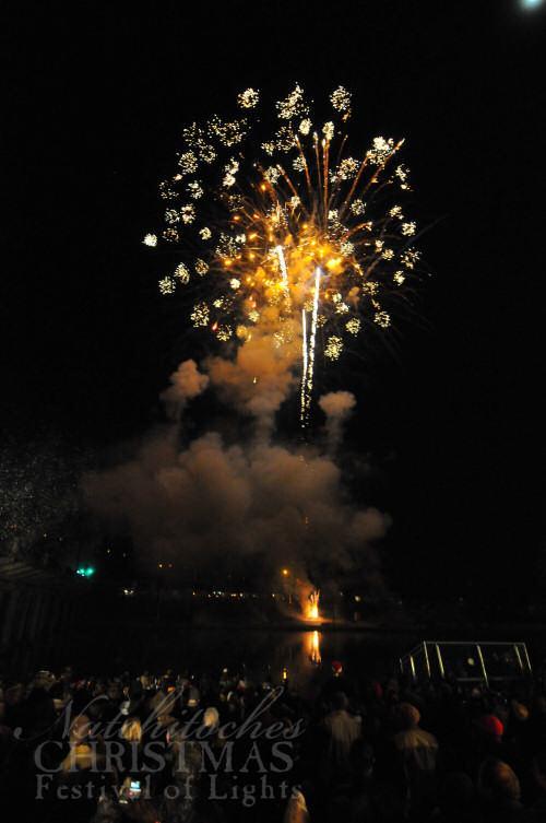 12-20-2012 firework-gold-sparkles.jpg