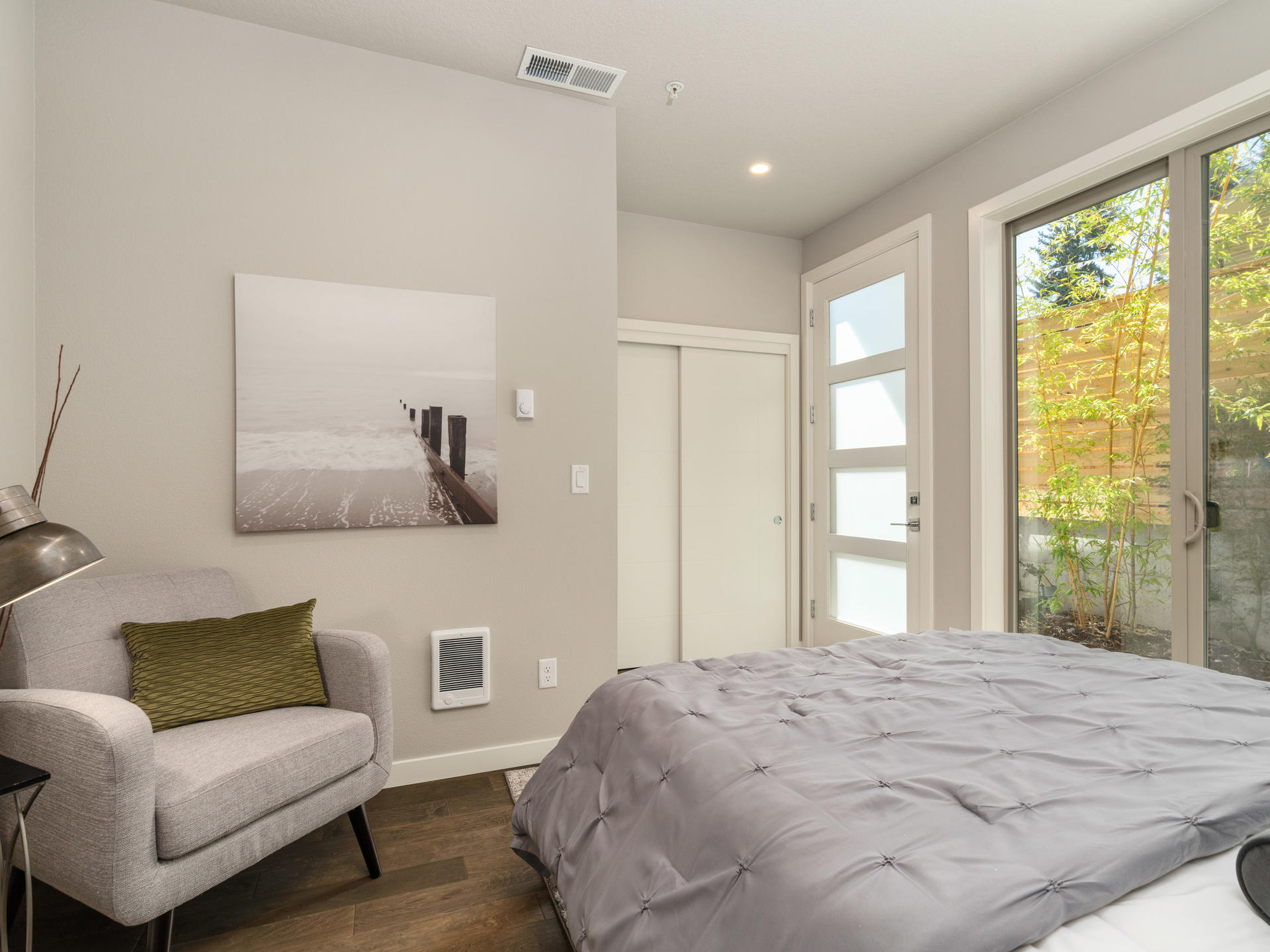 2911 SE Division St Portland-036-020-Downstairs Suite-MLS_Size.jpg