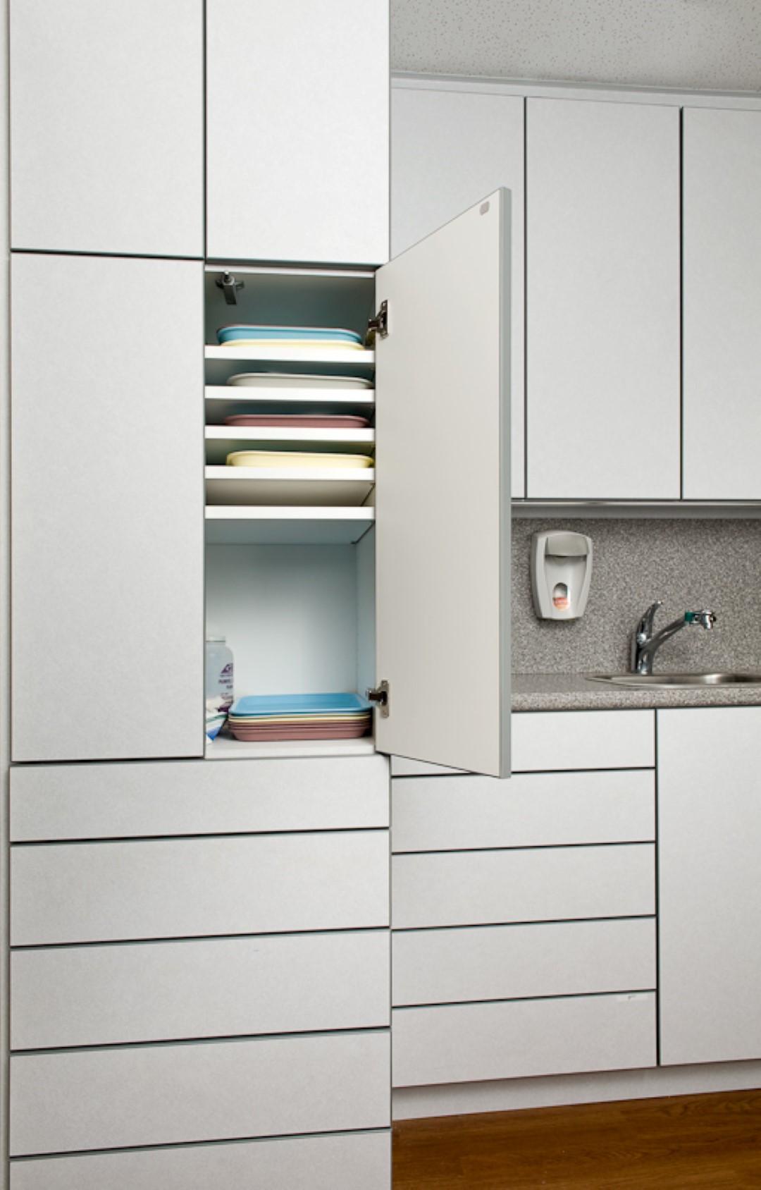 Cabinets-1004 (Large).jpg