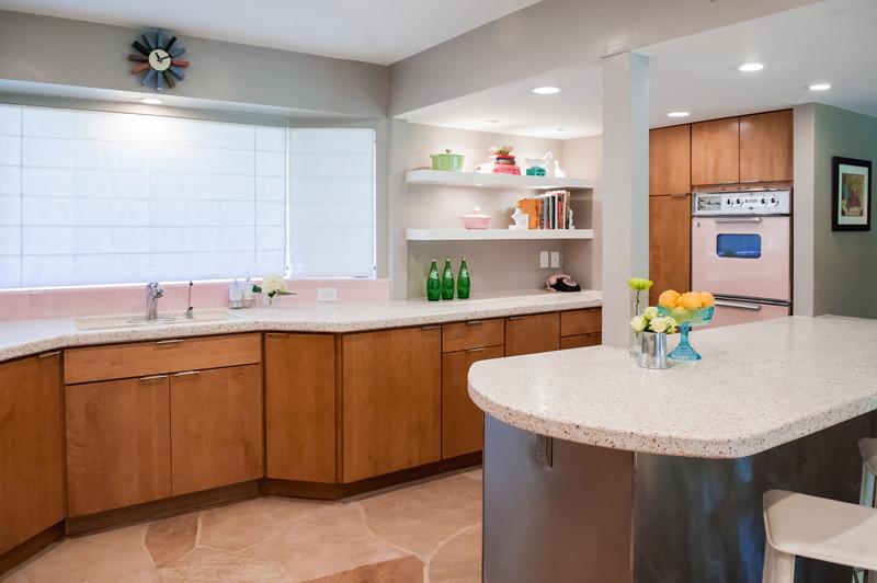 new-kitchen-pink-stove.jpg