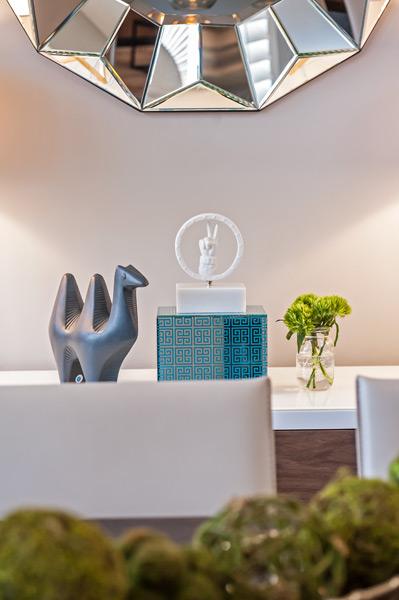 jonathan-adler-dining-room-accessories.jpg
