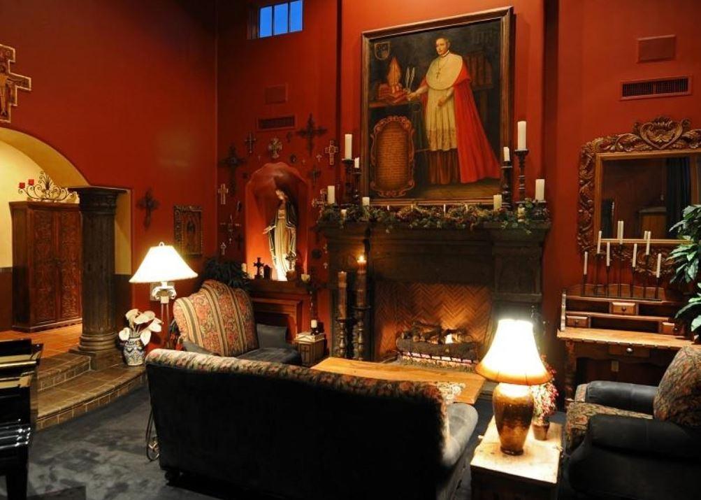 Grayhawk Living Room, Before