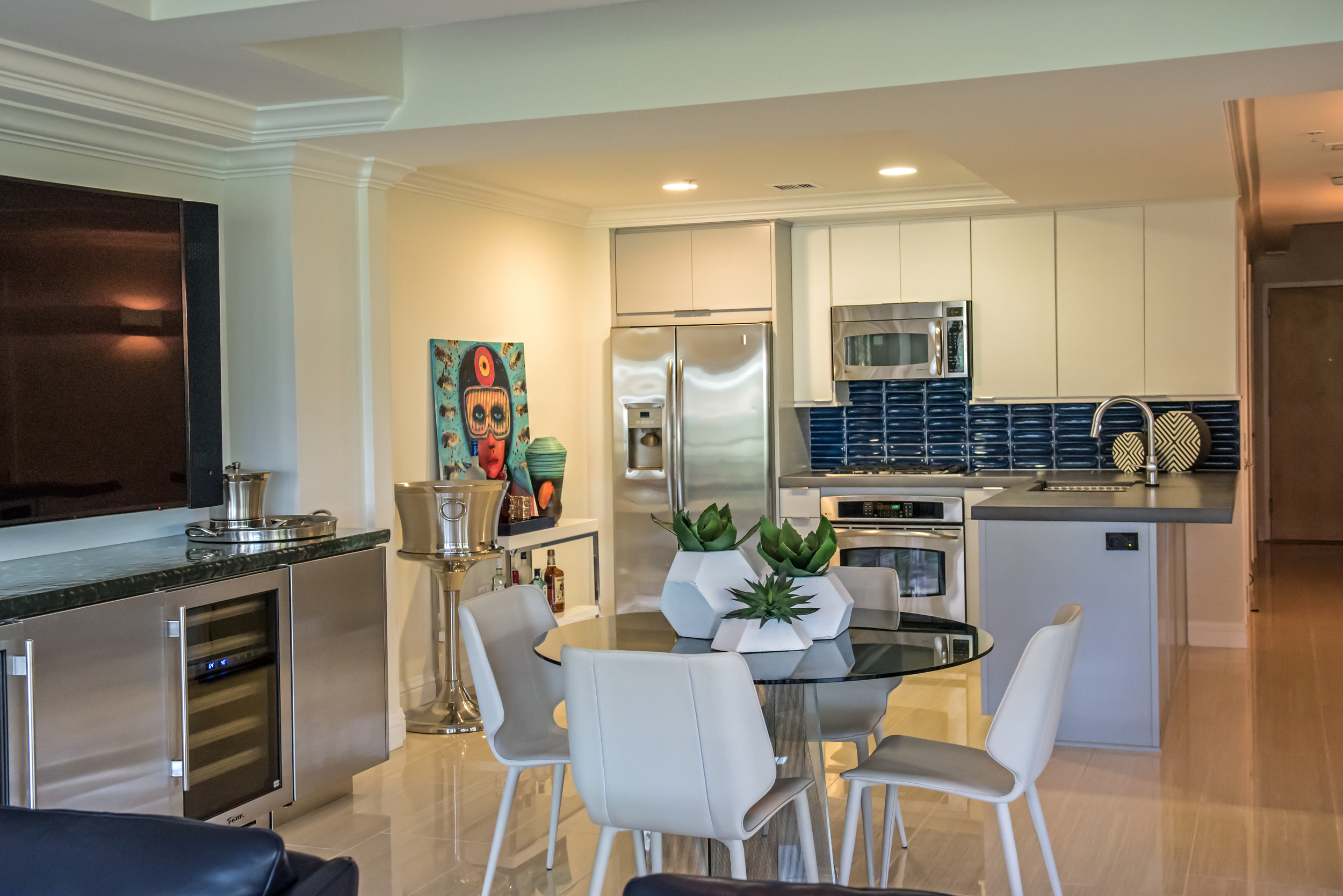 4-Modern+Kitchen+Condo+Remodel+Optima+Camelview.jpg