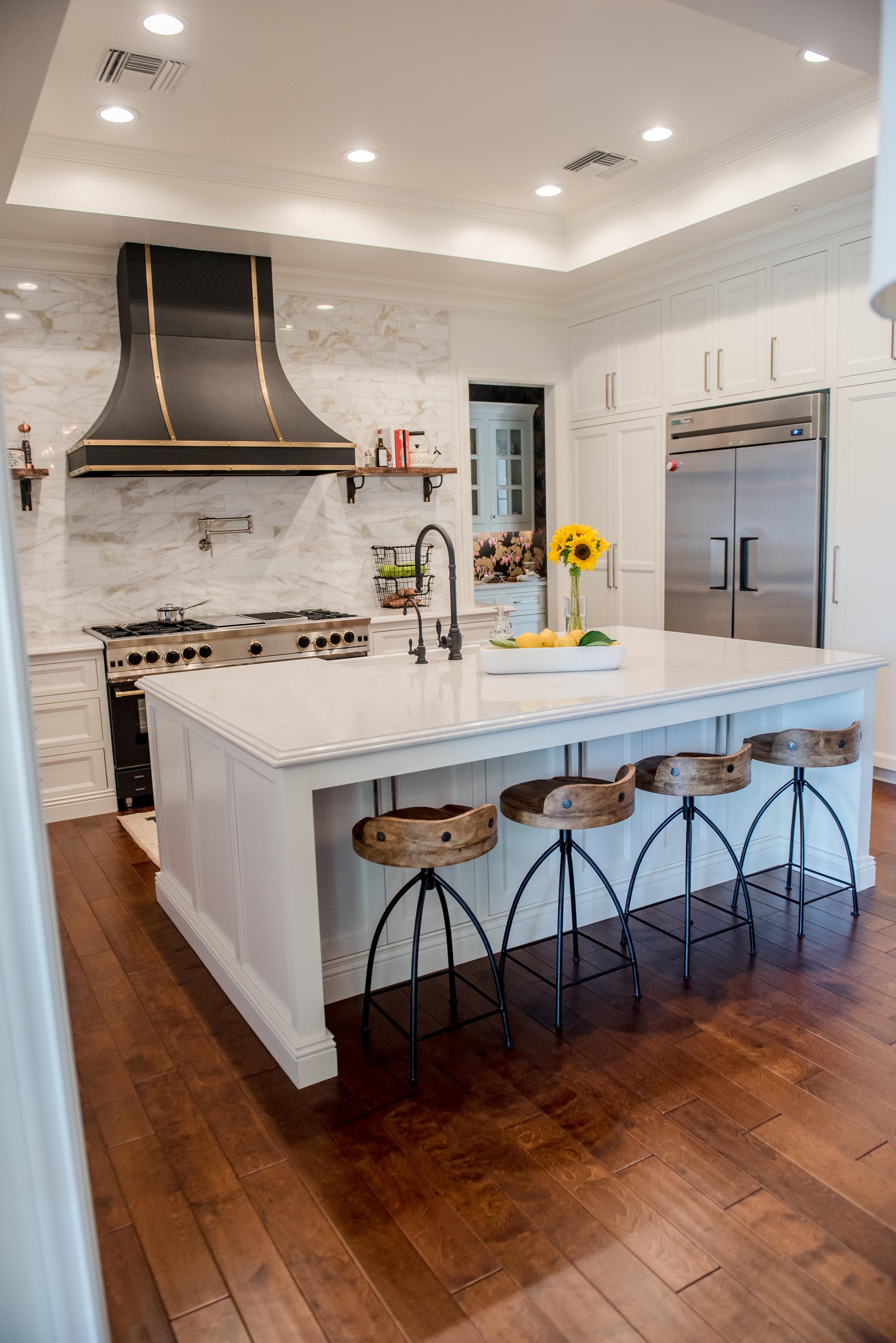 14+Kitchen+CustomHood+Brass+Black+Range+Marble+Calacatta+Openshelves.jpg