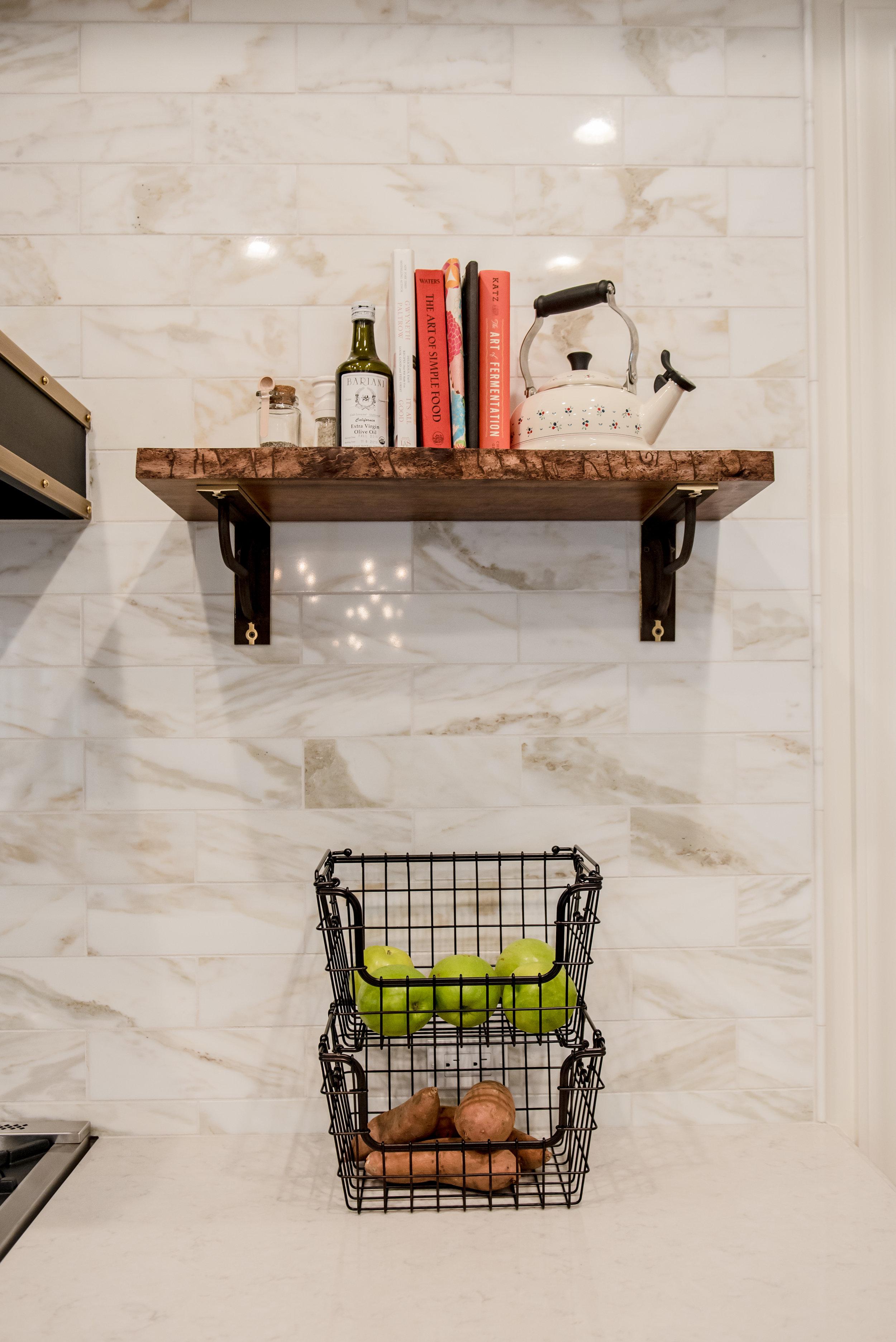 20+Kitchen++Transitional+Marble+Calacatta+Openshelves.jpg