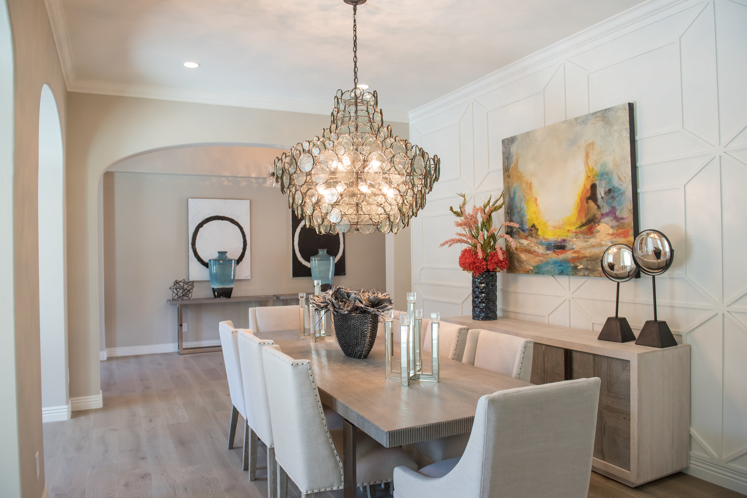 2Dining+Linen+Whiteoak+Modernart+Transitional+chandelier+scottsdale.jpg