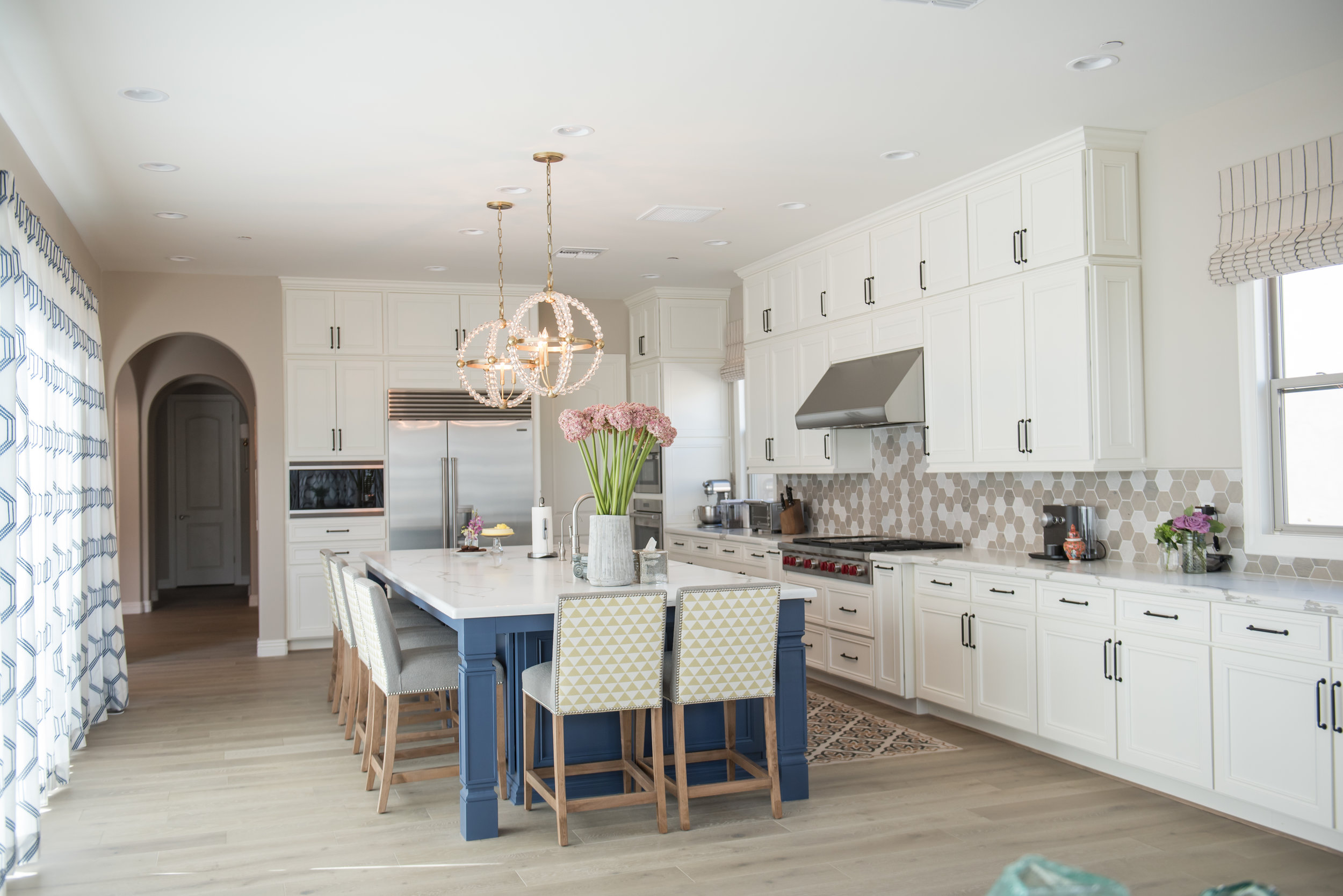7 Kitchen+transitional+navyblueisland+Barstools+Yellow+Scottsdale.jpg