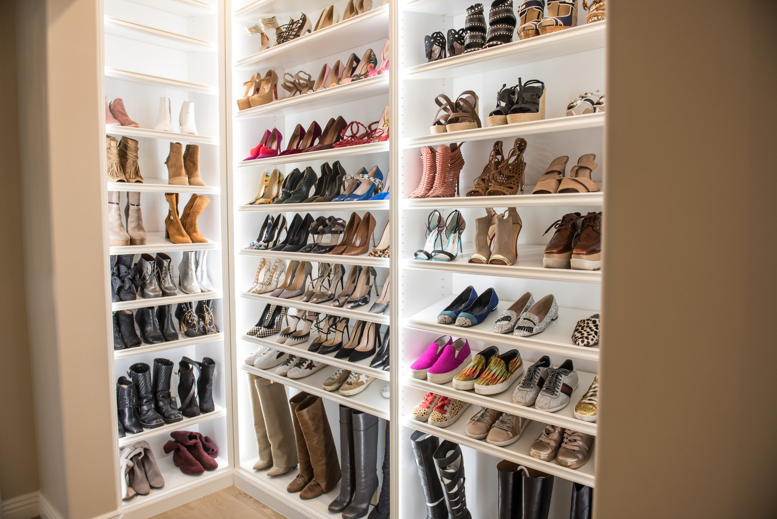 34 Shoe+Closet+Transitional+Scottsdale.jpg