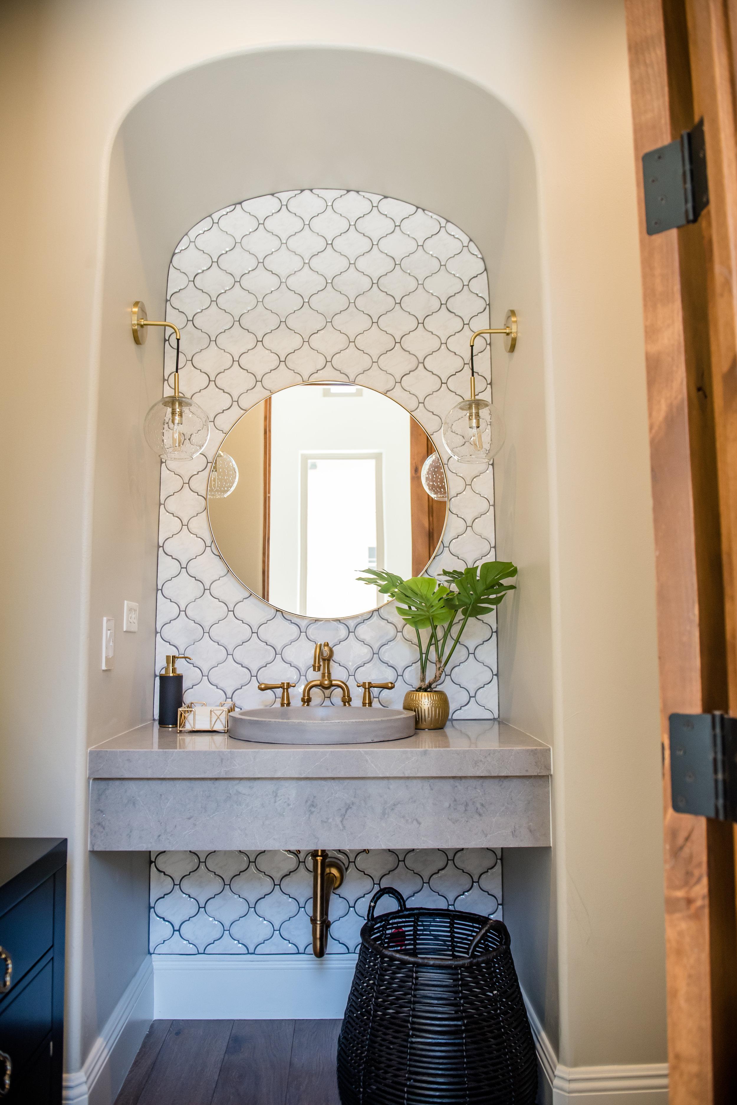 41+powderbath+tile+arabesque+brass+lighting+bohostyle.jpg