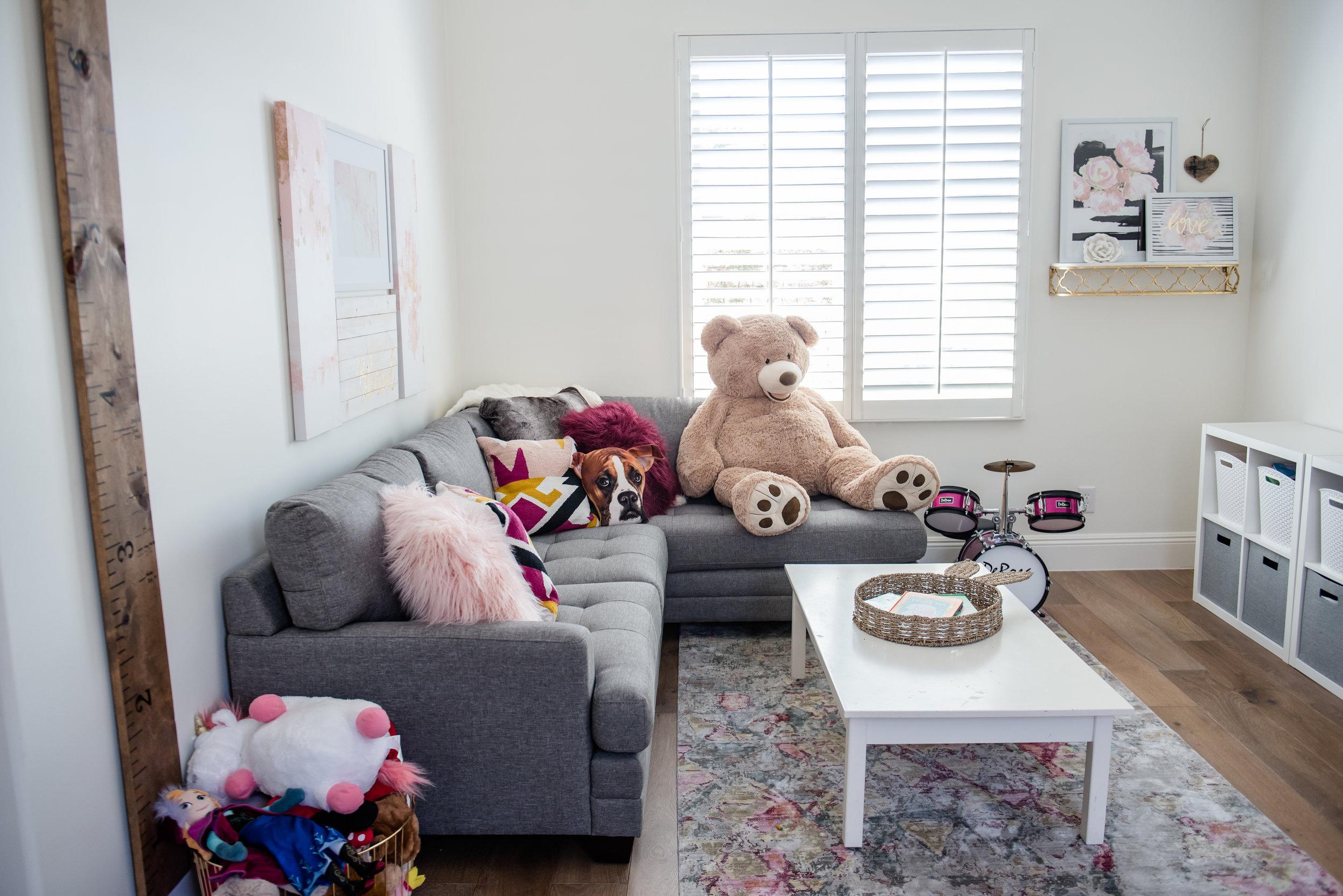 43+playroom+rug+graysectional+playroom+colorful.jpg