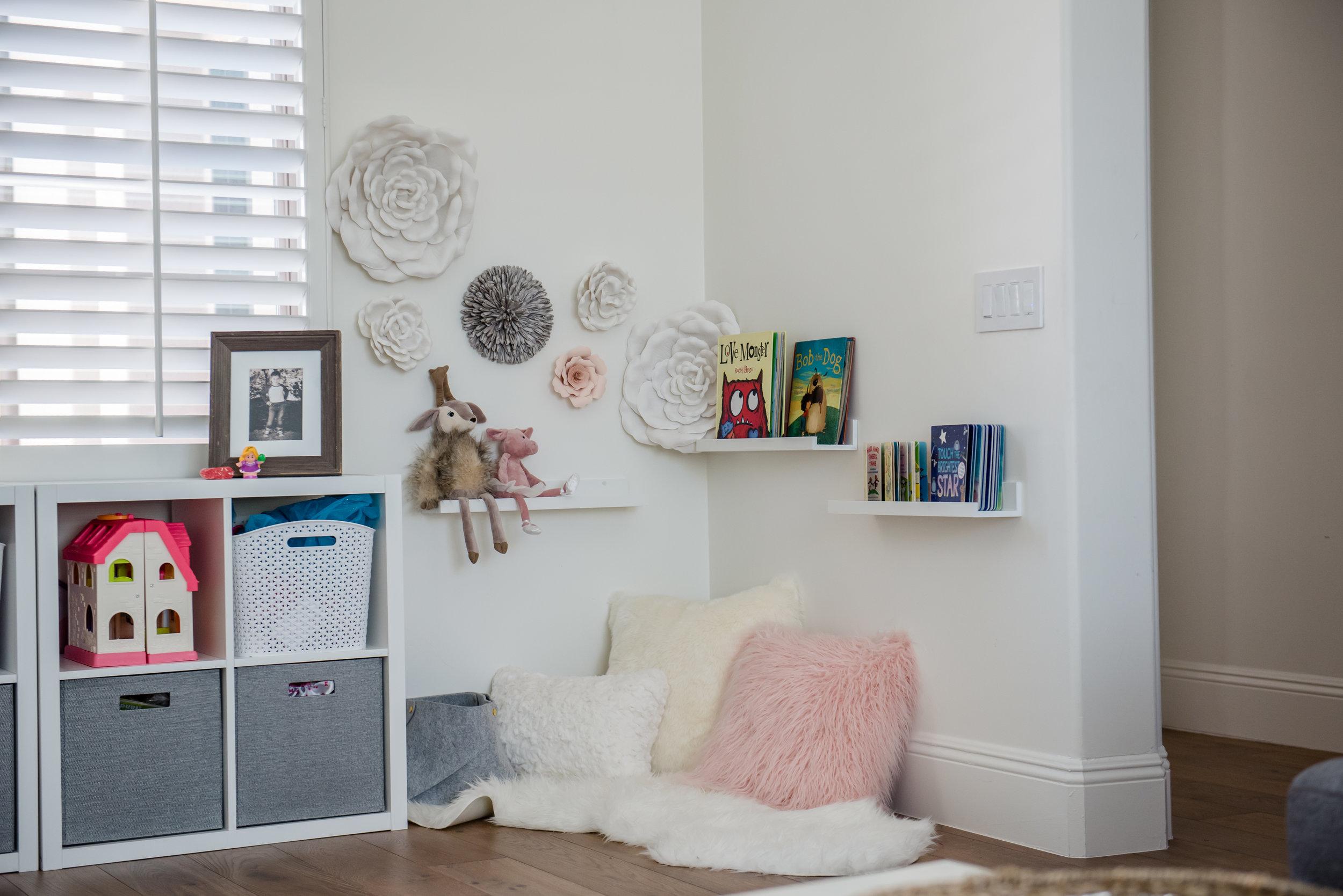 46+playroom+rug+graysectional+playroom+colorful.jpg