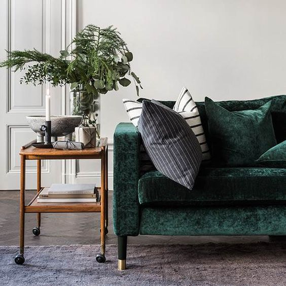 Here is a perfect example of how you can use velvet to its greatest potential, as a focal point with a piece of furniture.