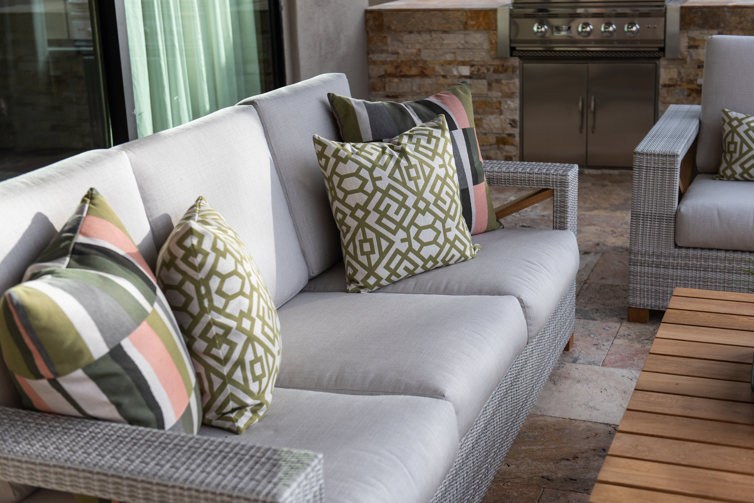 Backyard +patio +outdoor +furniture +pillows .jpg