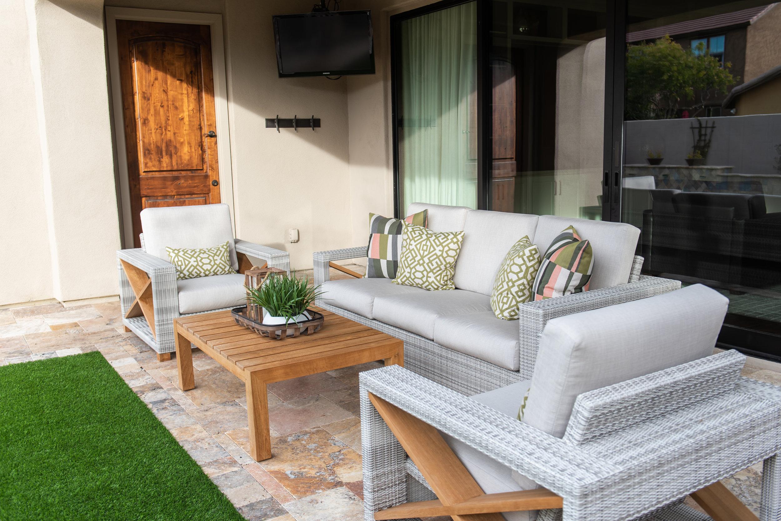 Backyard +patio +outdoor +furniture +pillows +coffeetable.jpg