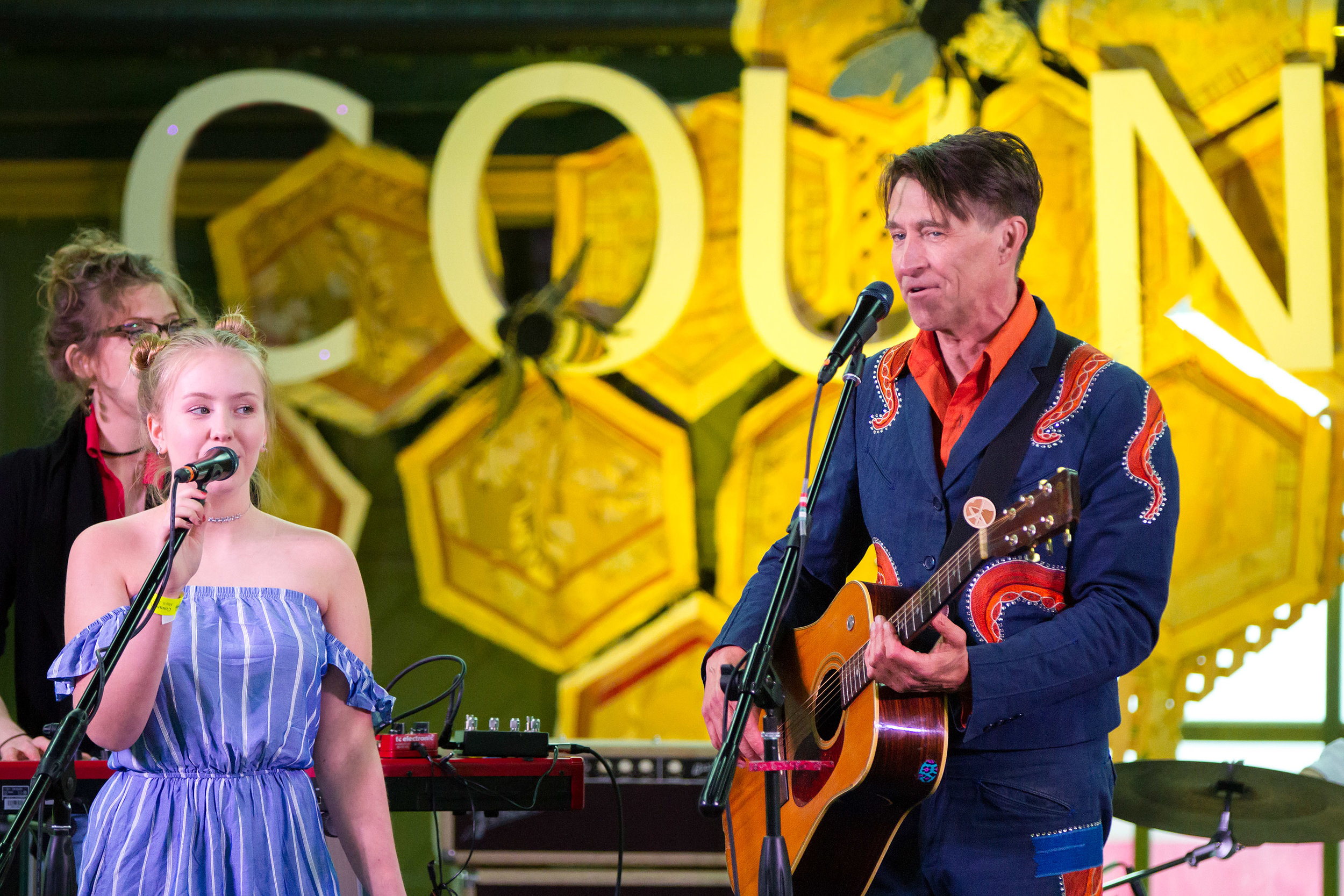 Ella Jade singing with Luther Wright and the Wrongs at County Pop 2017 - Photo by Bob Ullrich