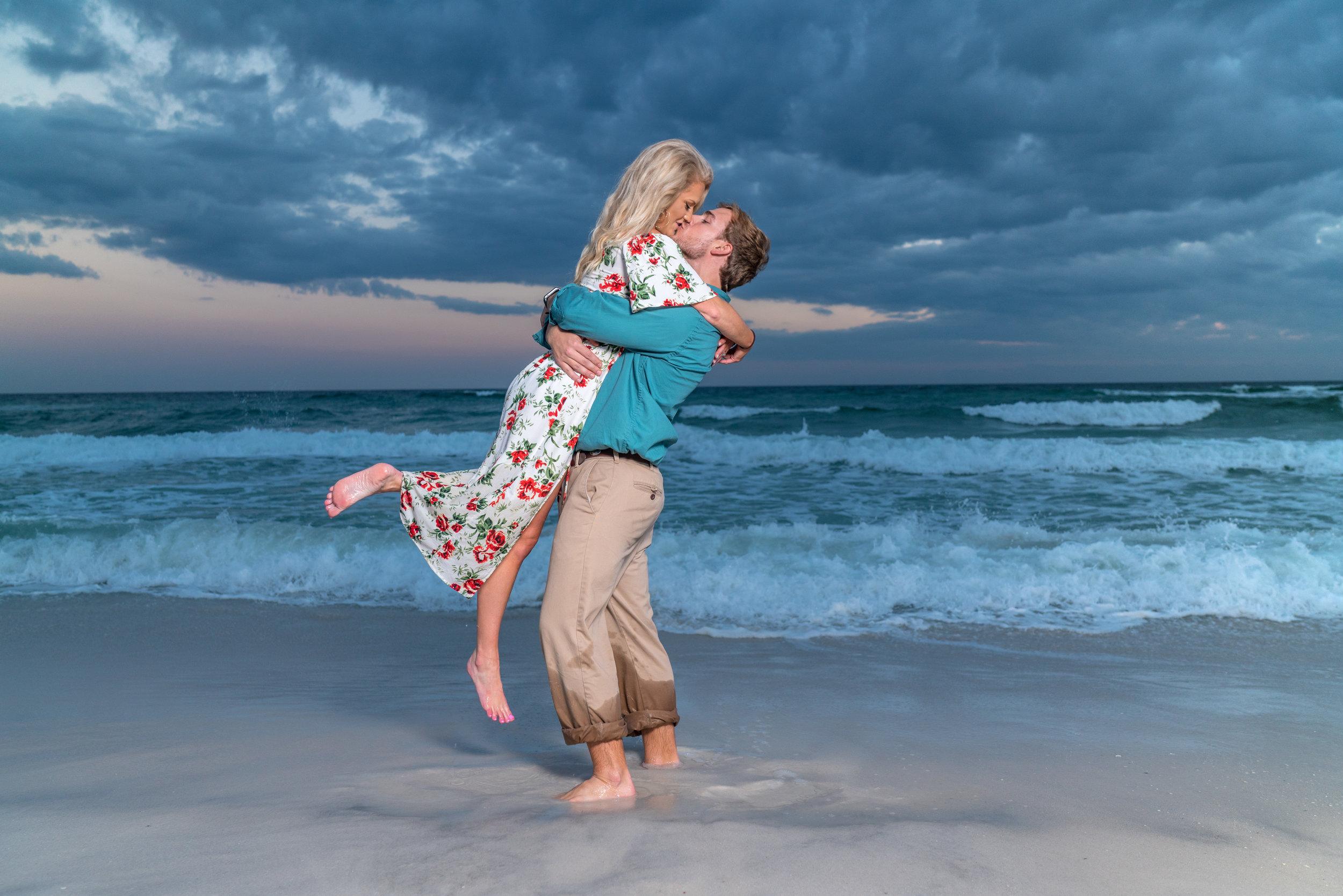 pensacola-beach-engagement-photographer.jpg