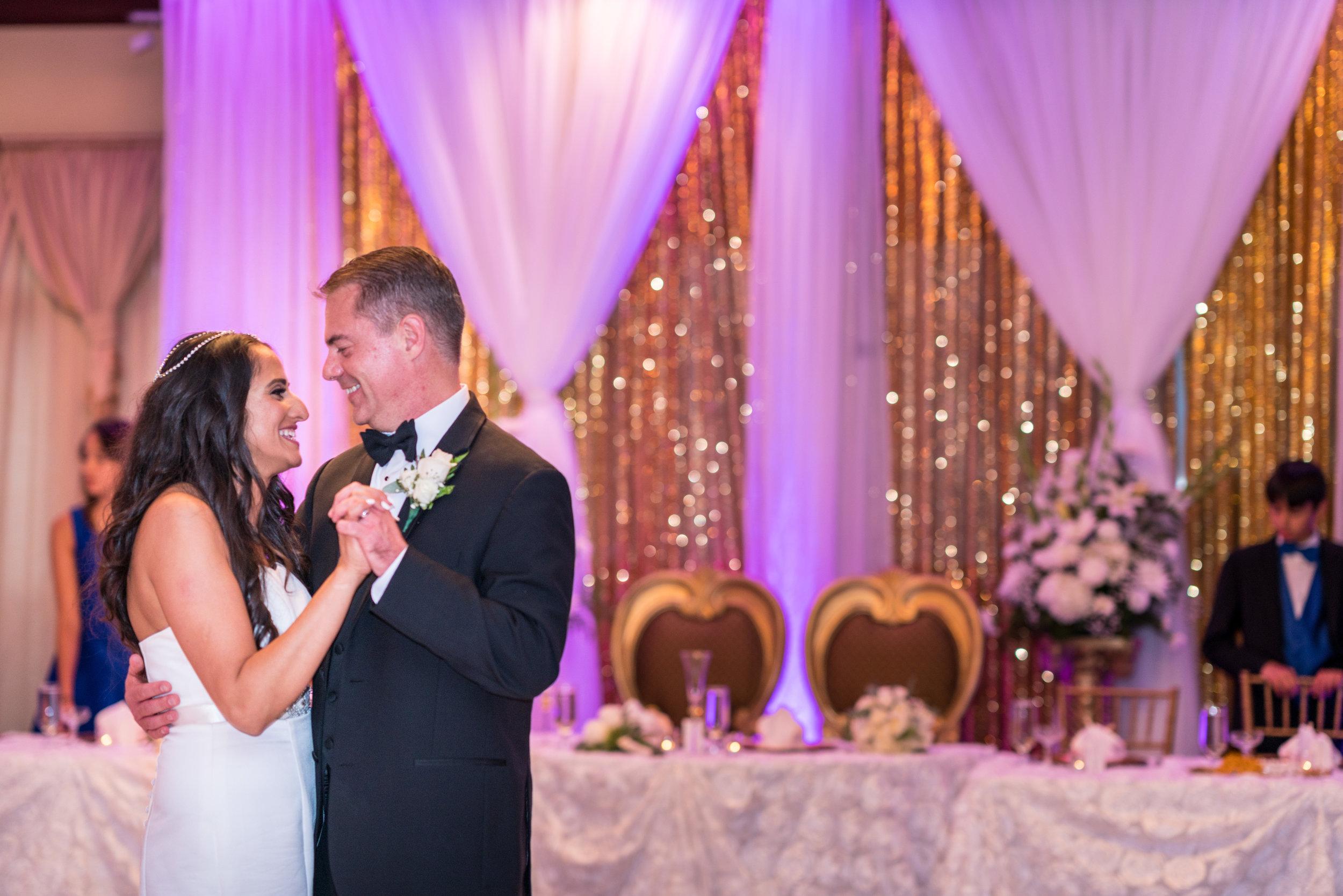 wedding-first-dance-lighting-tips.jpg