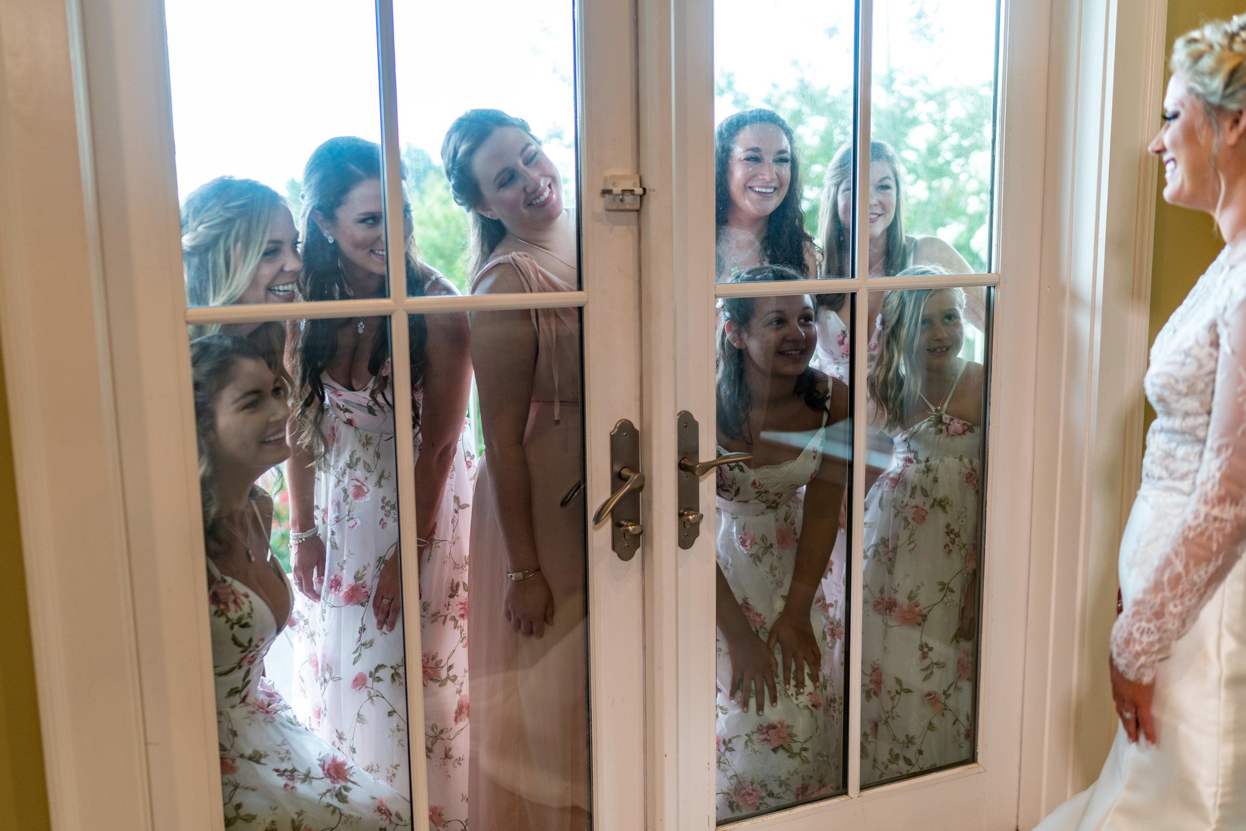 bridesmaids-picture-ideas.jpg