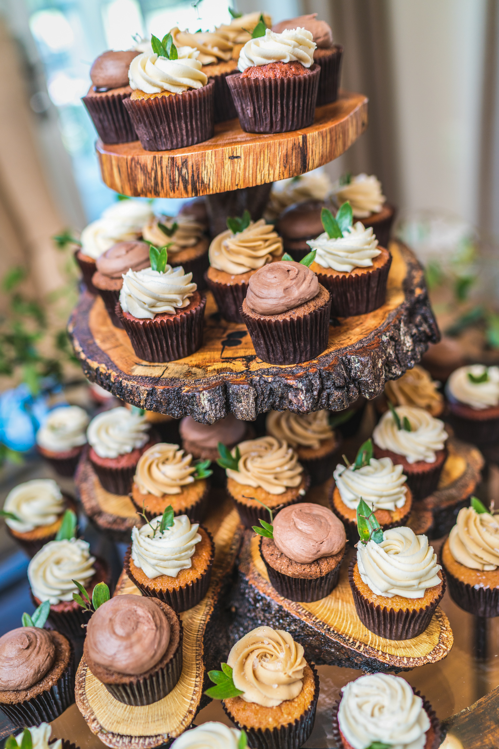 wedding-cupcake-tier-ideas.jpg
