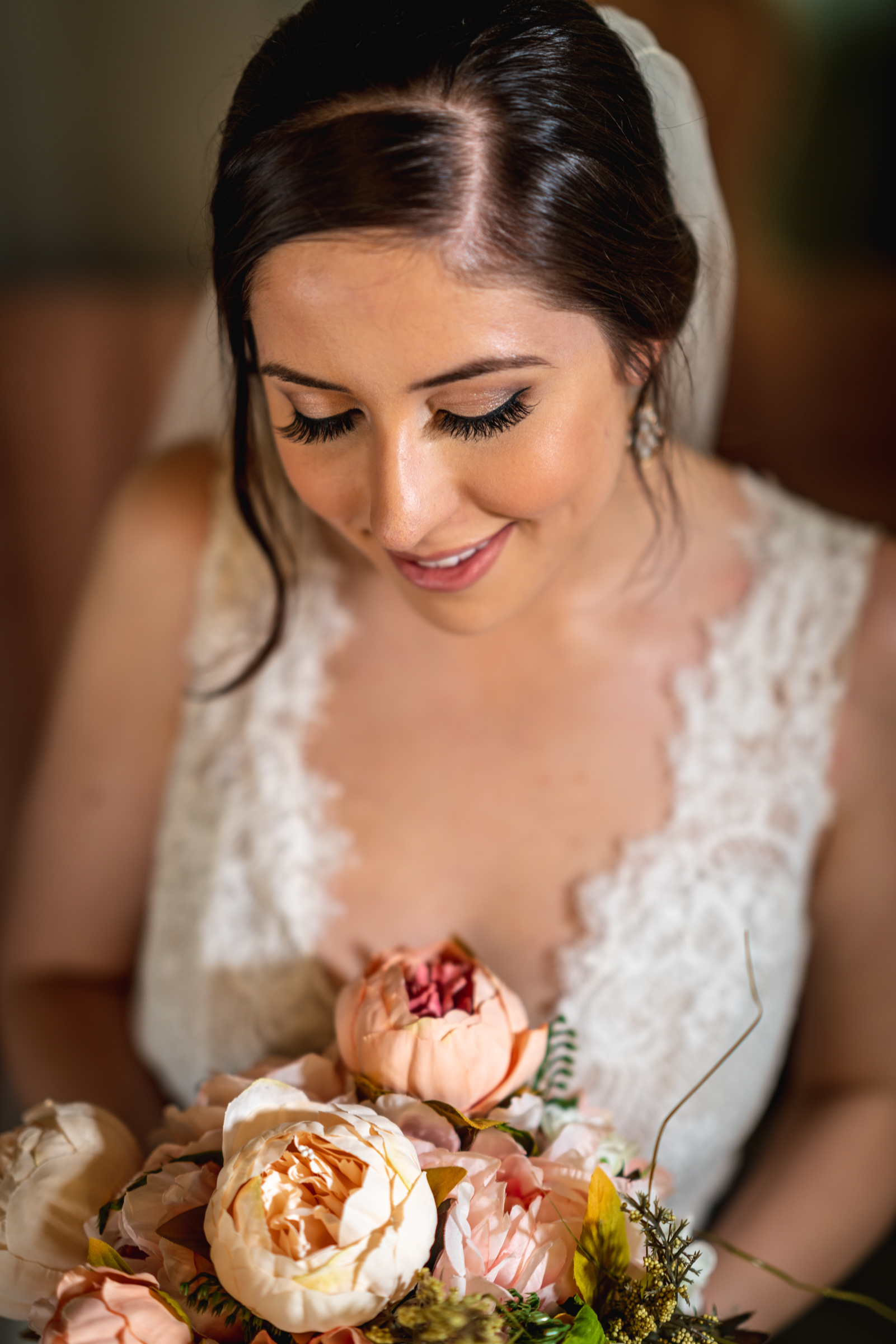 candid-bride-bouquet-photography.jpg