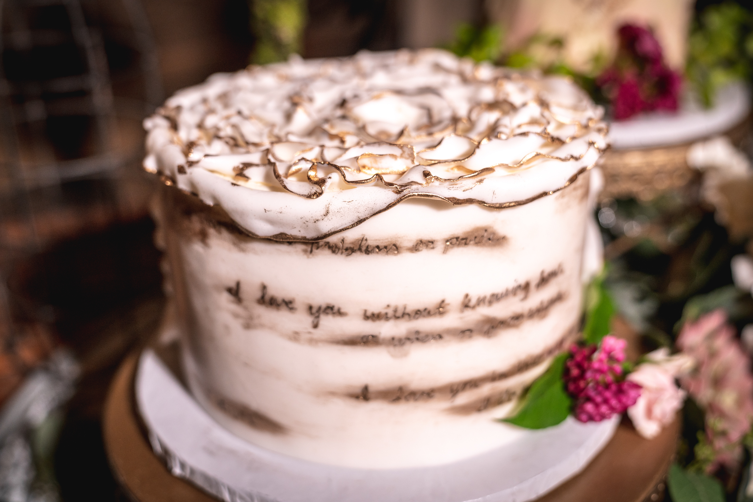 Wedding-cake-ideas-a-cottontale-photography.jpg
