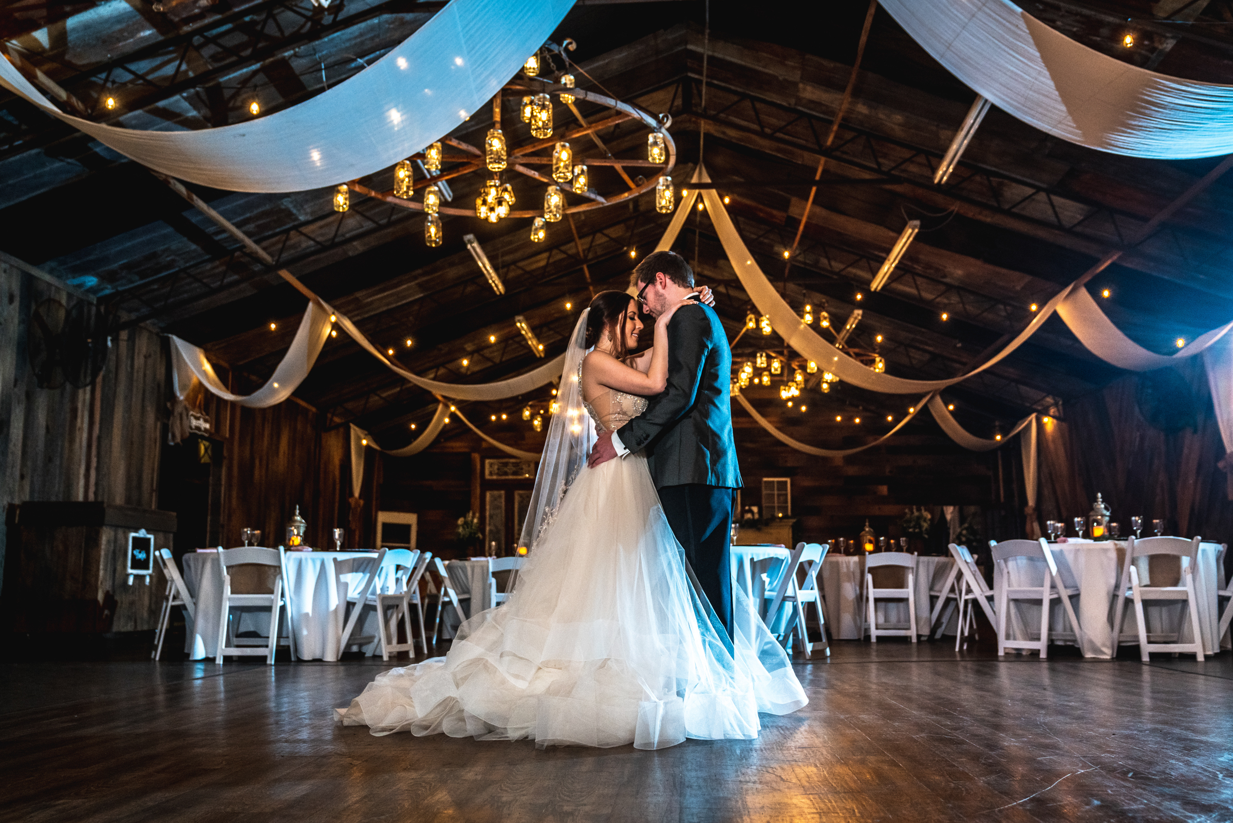 Wedding-couple-first-dance-Photography.jpg
