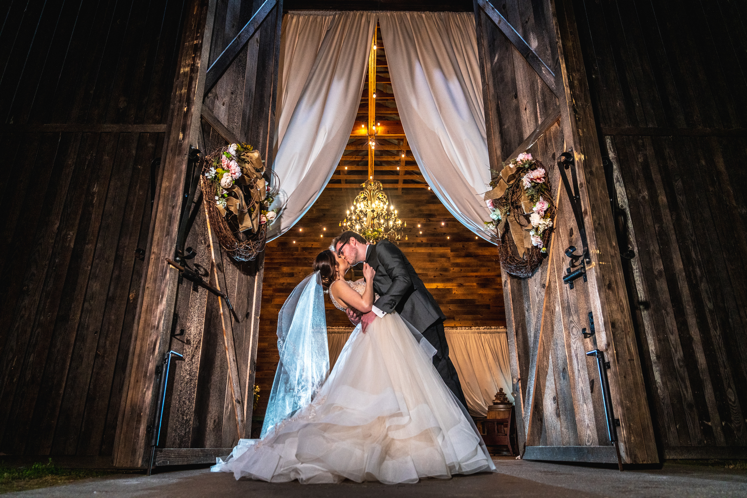 Wedding-couple-barn-water-oaks-farm-photographers.jpg