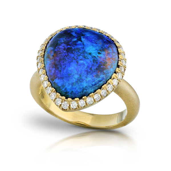 AUSTRALIAN BLACK OPAL STAR RING WITH NEAR COLORLESS DIAMONDS CRAFTED IN 18K YELLOW GOLD WITH BRUSHED FINISH, 7.15 CTW