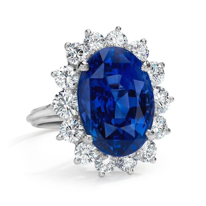 NATURAL SAPPHIRE OVAL SHAPE PRINCESS DIANA INSPIRED RING WITH COLORLESS ROUND DIAMONDS CRAFTED IN PLATINUM, 28.55 CTW