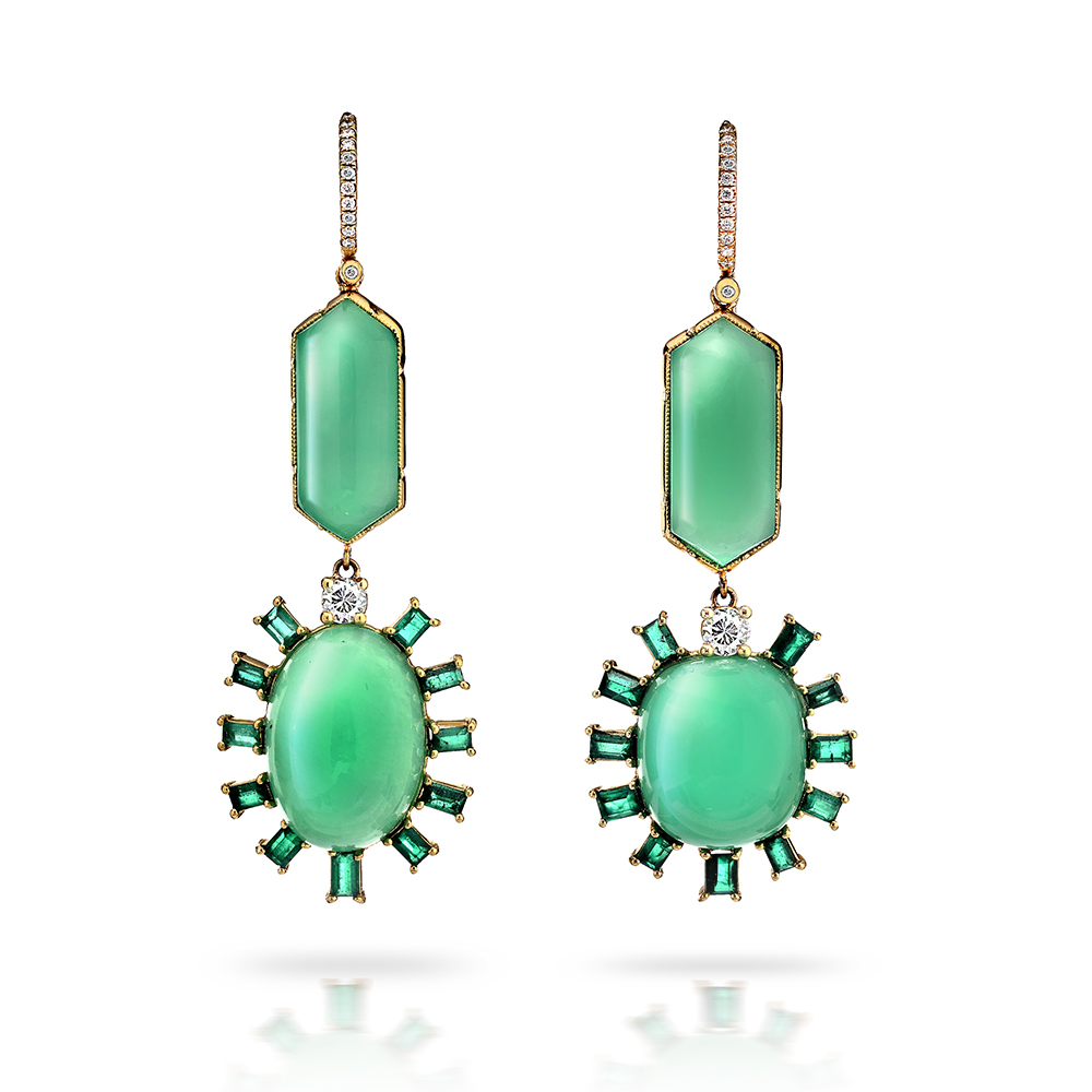 CHRYSOPRASE CABOCHON OVALS AND ELONGATED HEXAGONS WITH EMERALDS AND NEAR COLORLESS DIAMONDS CRAFTED IN 18K YELLOW GOLD, 57 CTW