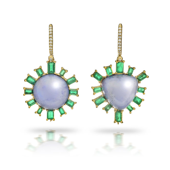 ASYMMETRICAL CHALCEDONY, EMERALD AND DIAMOND DROP EARRINGS CRAFTED IN 18K YELLOW GOLD, 28.58 CTW
