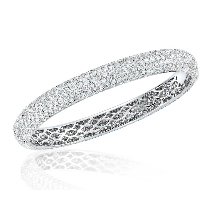 BANGLE WITH COLORLESS MICRO-SET DIAMOND PAVE CRAFTED IN PLATINUM, 5.25 CTW