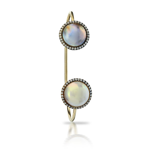 PINKISH WHITE AND PEACOCK 12mm MABE PEARL OPEN BRACELET SET WITH COLORLESS DIAMOND PAVE IN 18K YELLOW GOLD,0.74 CTW