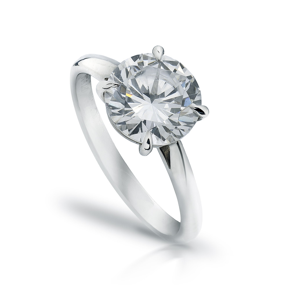 SOLITAIRE RING WITH ROUND DIAMOND AND EAGLE-CLAW PRONGS, CRAFTED IN PLATINUM, 2.50 CTW